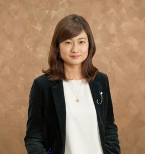 委員長 小崎 奈央子